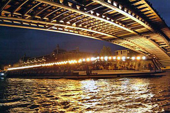 New Year's Eve river cruises in Paris