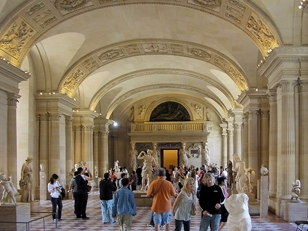 Top Paris International: Paris city tour, lunch and group guided tour  BM57