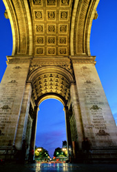 Napolean's Triumphal Arch at the top of the Champs-Élysées boulevard in Paris. © www.davidphenry.com