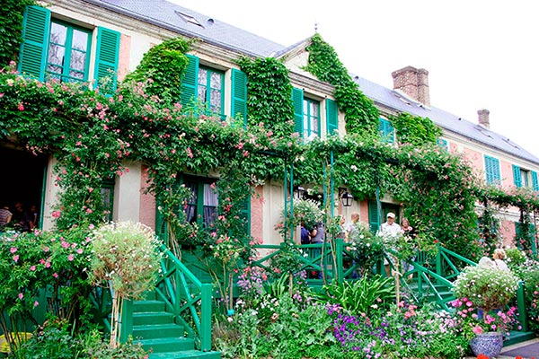 Paris international giverny ch teau de versailles for Monet home